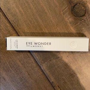 Monat Eye Wonder